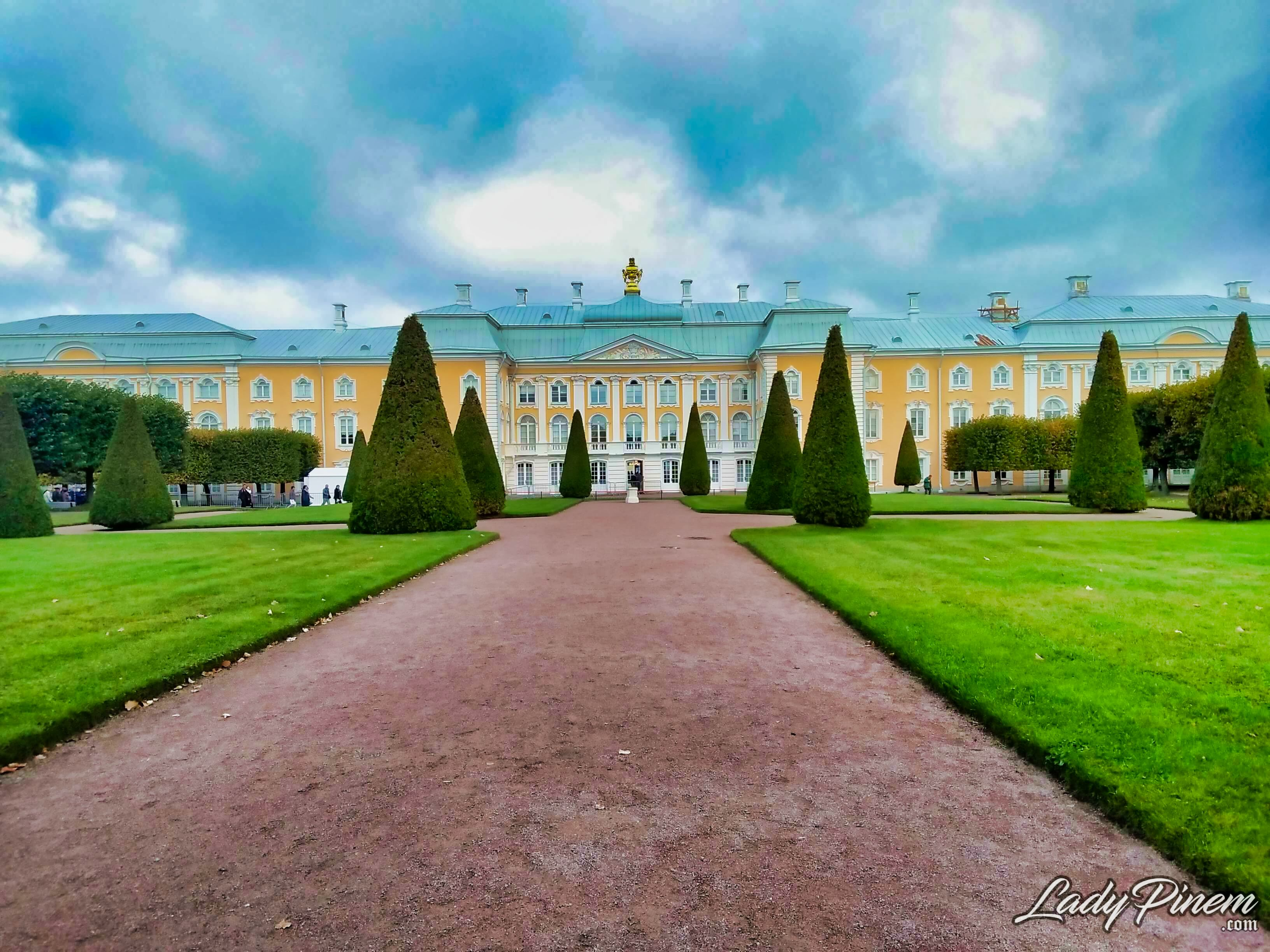 Saint Petersburg - Peterhof Palace 12